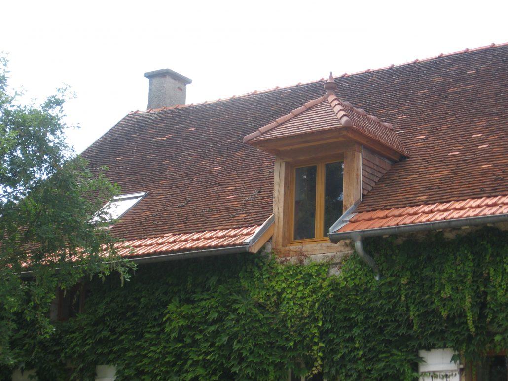 chien assis maison excellent duune lucarne capucine en kit with chien assis maison gallery of. Black Bedroom Furniture Sets. Home Design Ideas